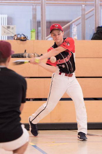 Oliver-Sven at bat