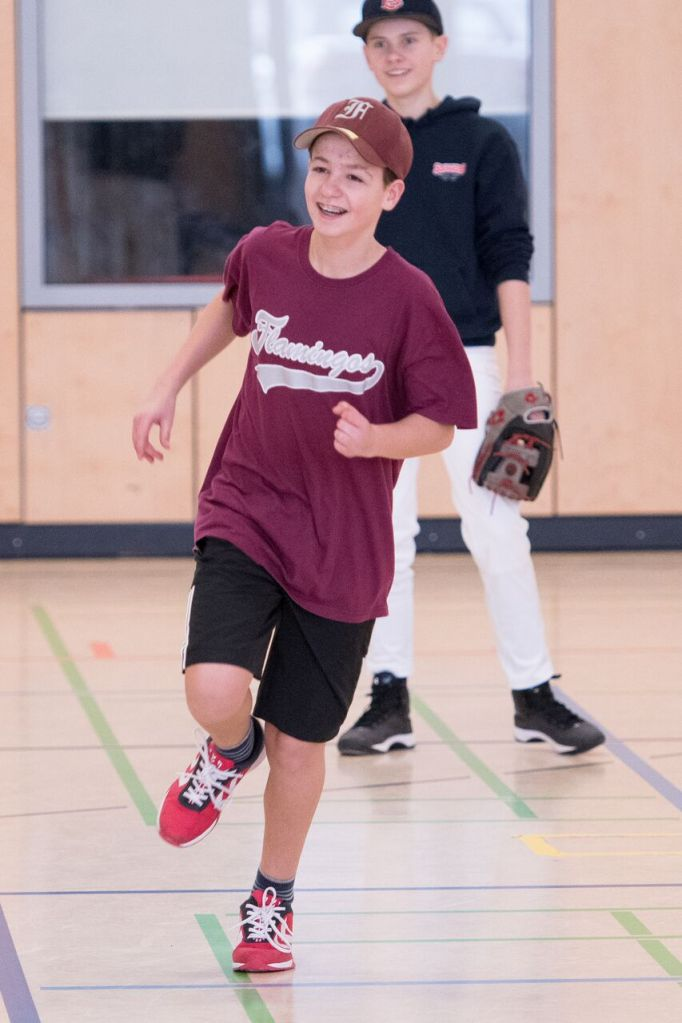 Elias circling the bases during the game